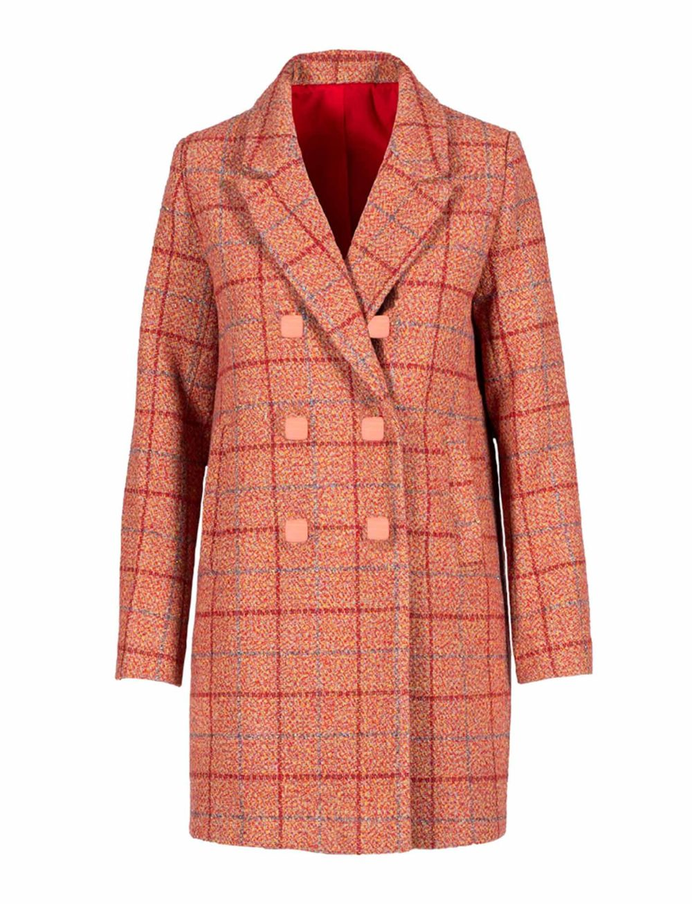 abrigo-rojo-cuadros-botones-grandes