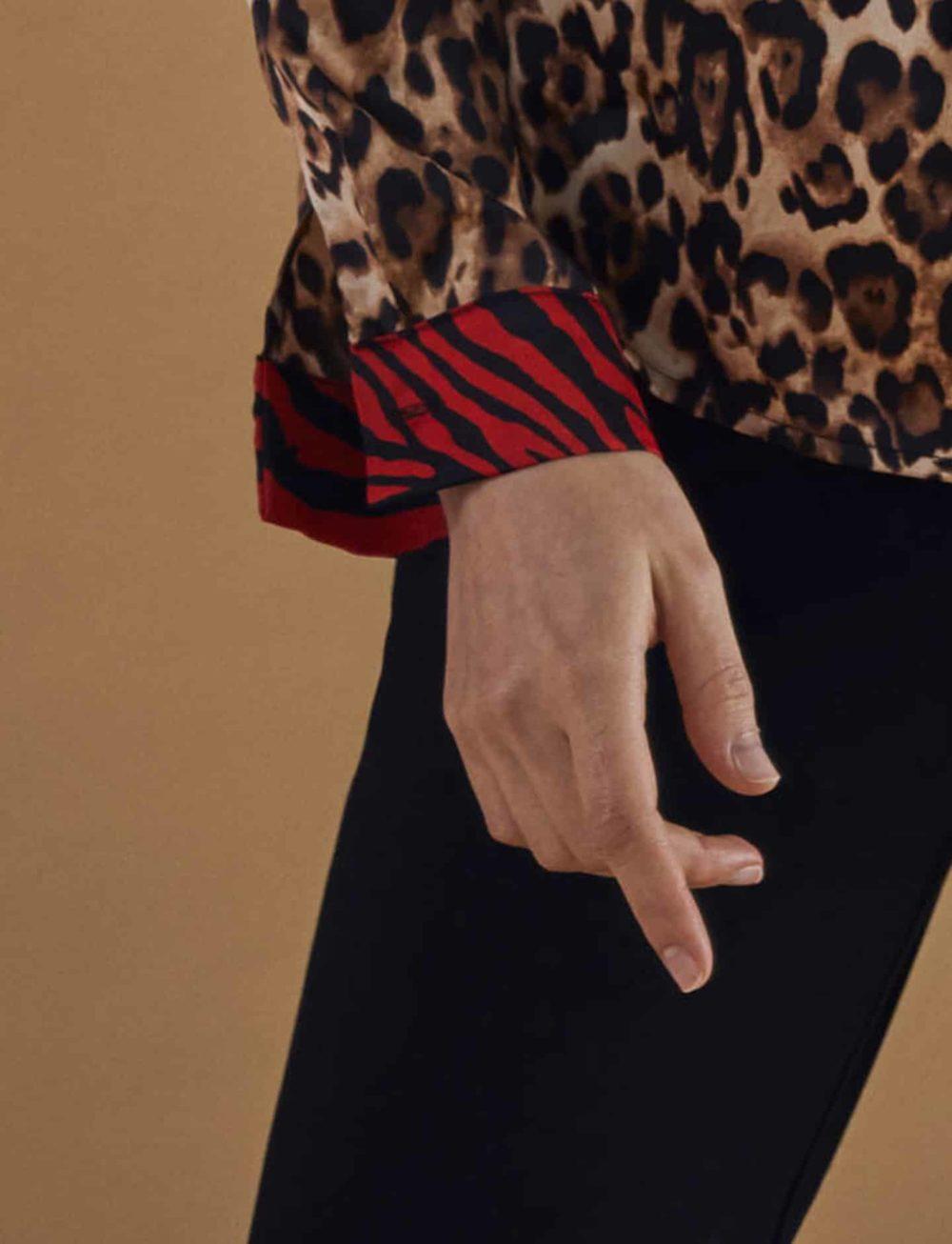 blusa-estampado-leopardo-cebra-detalle-puño