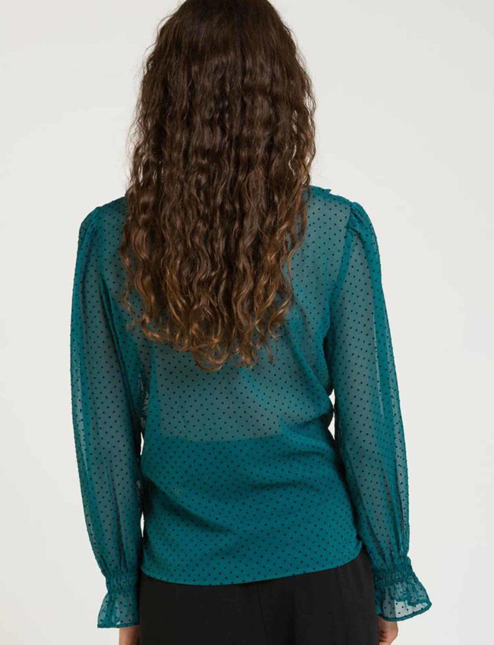 blusa-verde-gasa-espalda