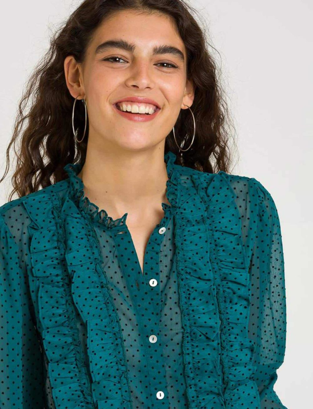 blusa-verde-gasa-detalle
