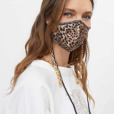 cadena-dorada-con-mascara