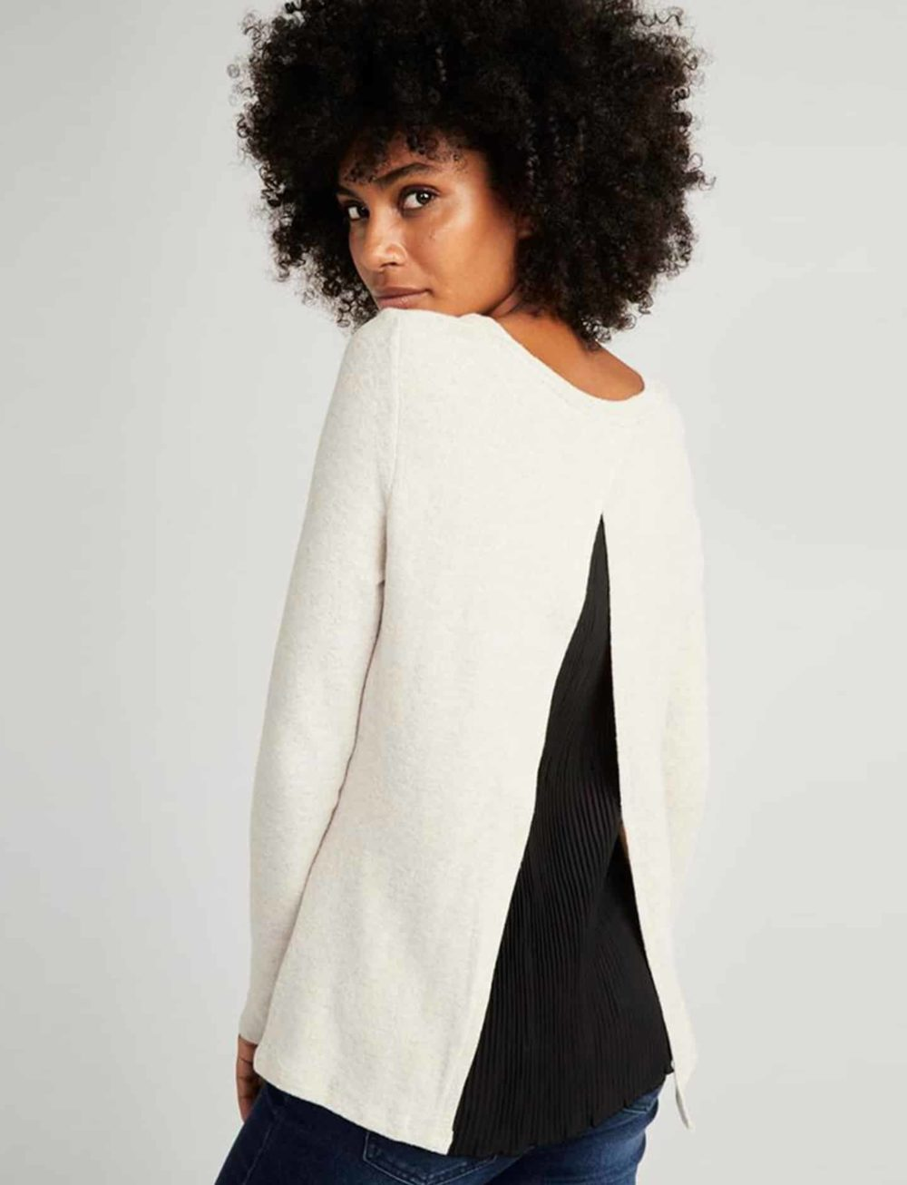 camiseta-dos-tejidos-beige-espalda
