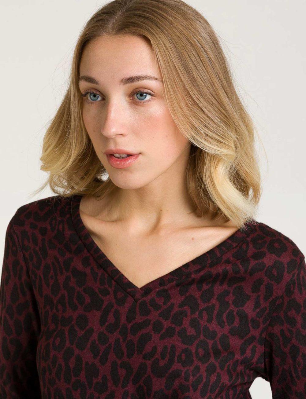 camiseta-estampado-animal-cuello