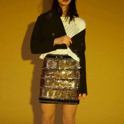 minifalda-dorada-tachas