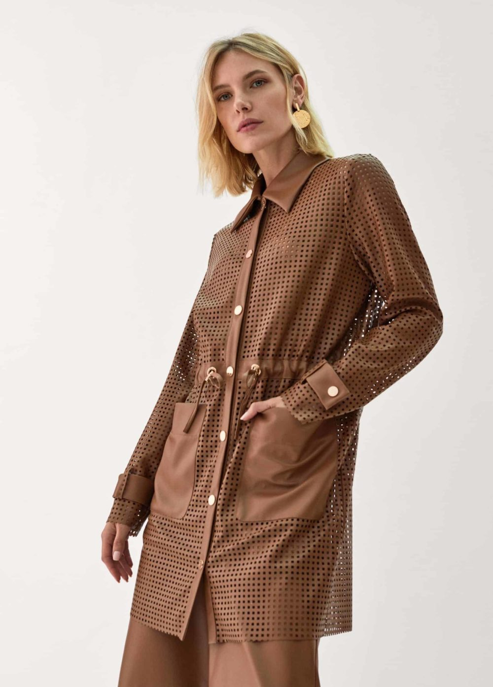 sahariana-troquelada-chaqueta-marron