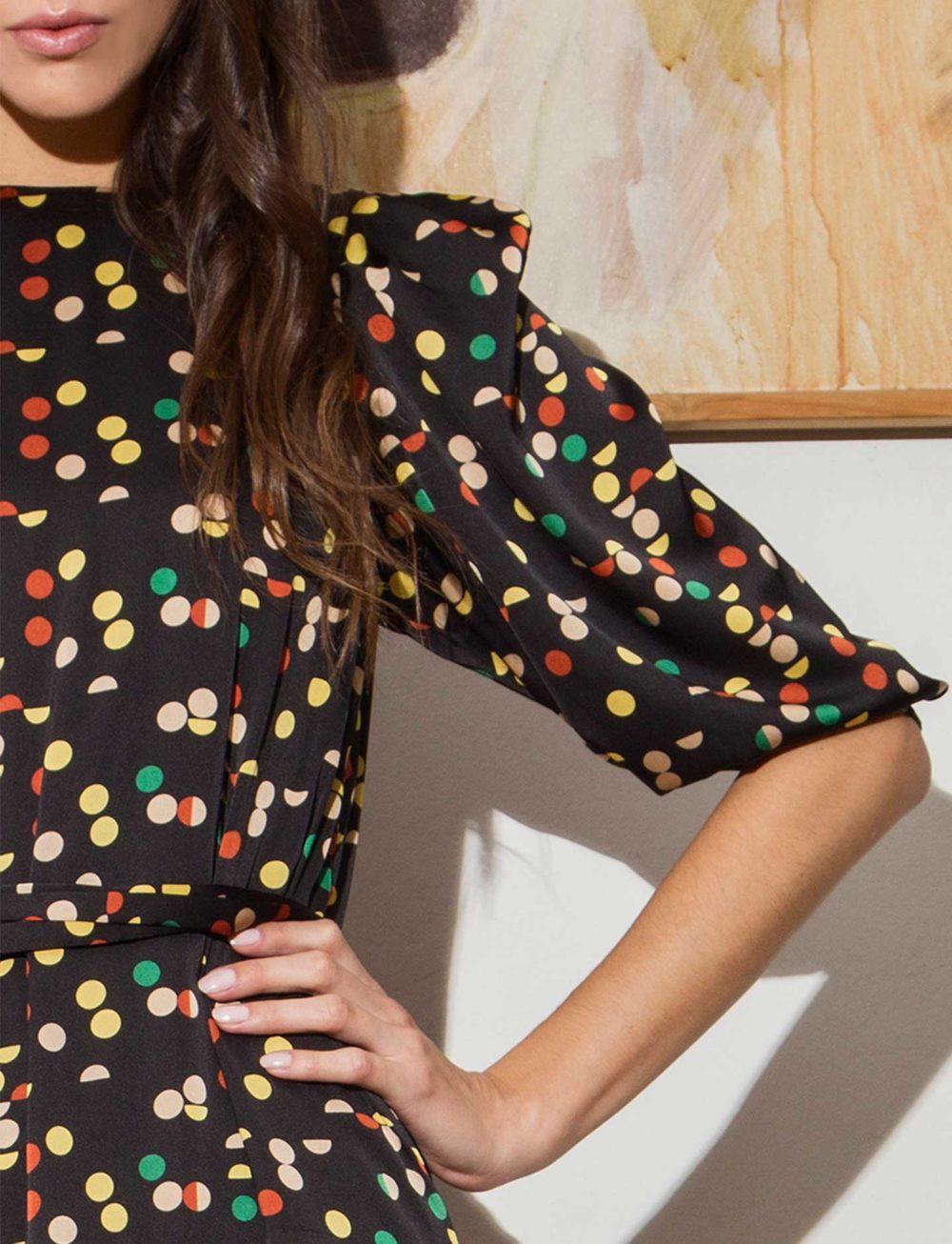 vestido-corto-estampado-confetti-manga
